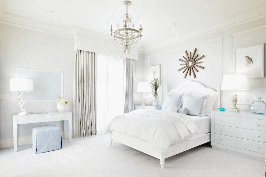 Спальня в  цветах:   Белый, Бирюзовый, Голубой, Серый.  Спальня в  стиле:   Классика.
