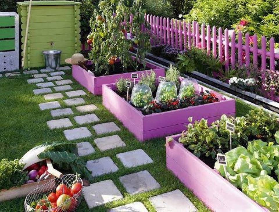 Сад и участок в  цветах:   Серый, Сиреневый, Темно-зеленый, Черный.  Сад и участок в  .