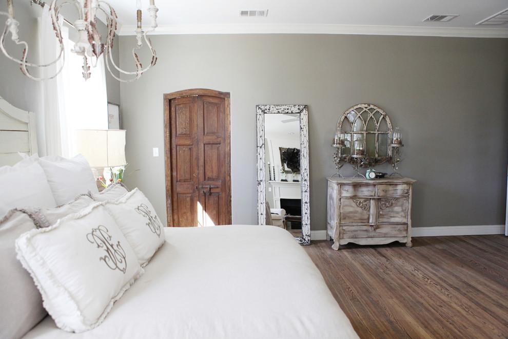 Спальня в  цветах:   Белый, Коричневый, Серый.  Спальня в  стиле:   Кантри.