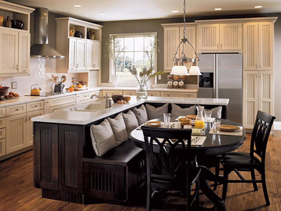 Кухня/столовая в  цветах:   Бежевый, Светло-серый, Темно-коричневый, Черный.  Кухня/столовая в  стиле:   Классика.