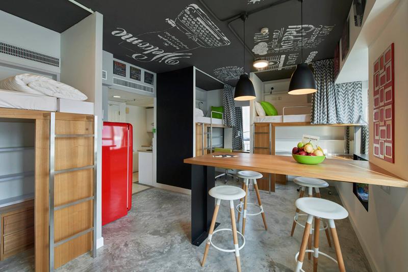 Кухня/столовая в  цветах:   Бирюзовый, Коричневый, Светло-серый, Серый.  Кухня/столовая в  стиле:   Минимализм.