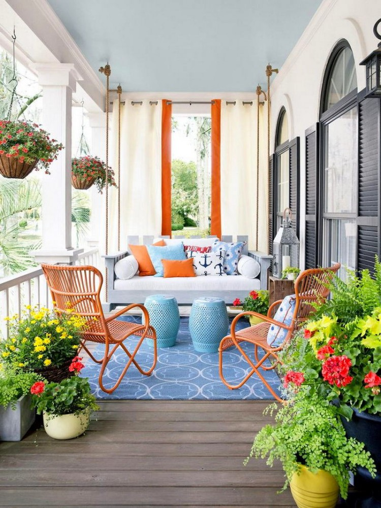 Балкон, веранда, патио в цветах: оранжевый, серый, светло-серый, белый, бежевый. Балкон, веранда, патио в .