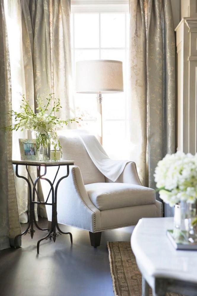 Спальня в цветах: серый, светло-серый, белый, бежевый. Спальня в стилях: английские стили.