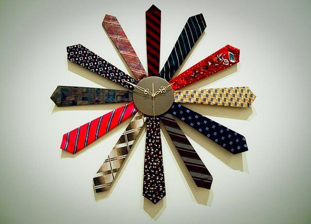Декор в цветах: черный, серый, светло-серый, белый. Декор в стиле эклектика.