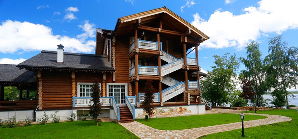 Царская изба и прованс: один из самых красивых отелей Подмосковья