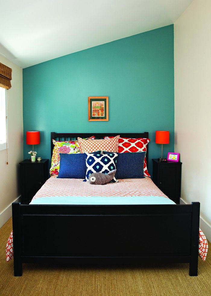 Мебель и предметы интерьера в цветах: голубой, черный, светло-серый, сине-зеленый. Мебель и предметы интерьера в стиле эклектика.