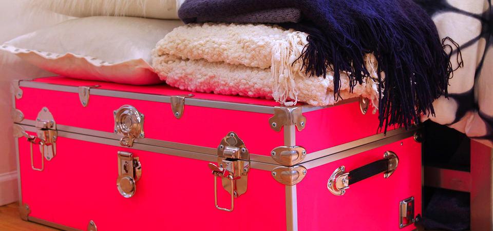 Нет места в спальне: 10 дополнительных вариантов хранения