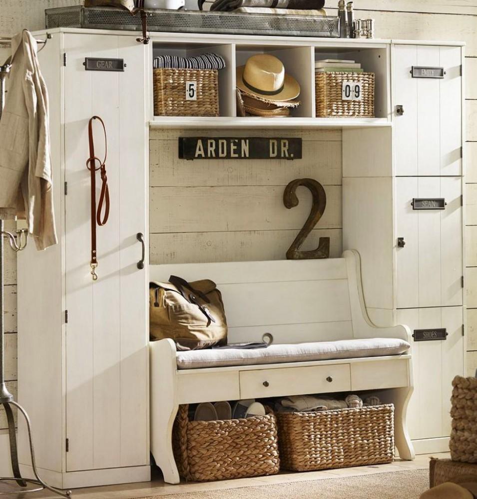 Мебель и предметы интерьера в цветах: серый, светло-серый, белый, бежевый. Мебель и предметы интерьера в стиле классика.