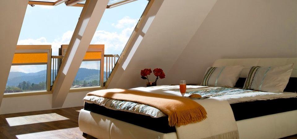 Как превратить окно в балкон: советы по обустройству мансарды