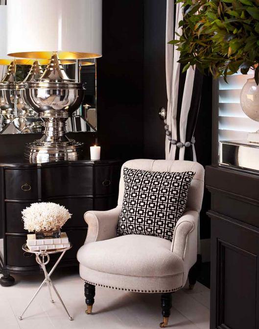 Мебель и предметы интерьера в цветах: черный, серый, светло-серый, белый. Мебель и предметы интерьера в стилях: арт-деко.