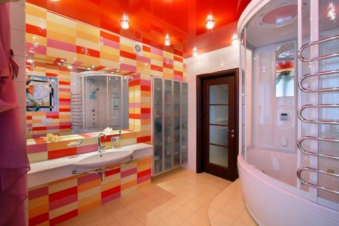 Ванная в цветах: желтый, серый, светло-серый, коричневый, бежевый. Ванная в стиле эклектика.
