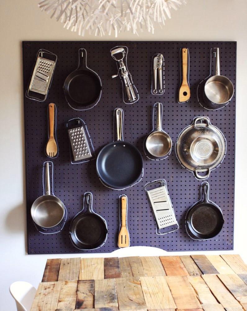 Кухня в цветах: фиолетовый, черный, серый, белый. Кухня в .