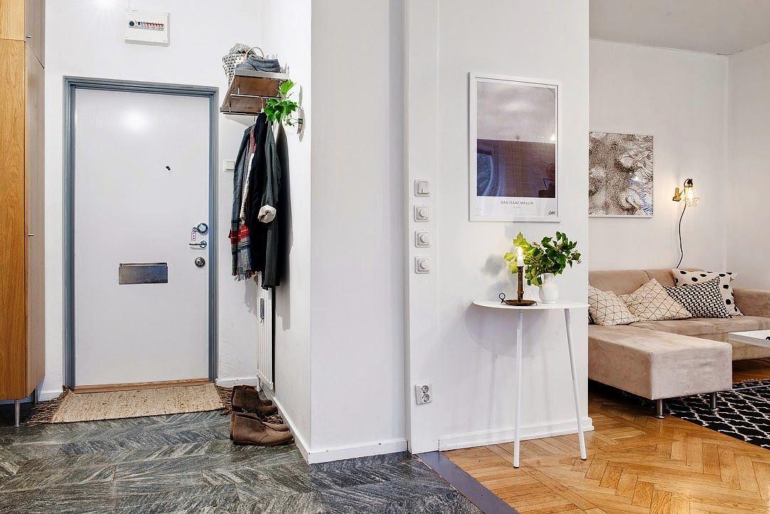 Прихожая в цветах: серый, светло-серый, белый, бежевый. Прихожая в стиле скандинавский стиль.