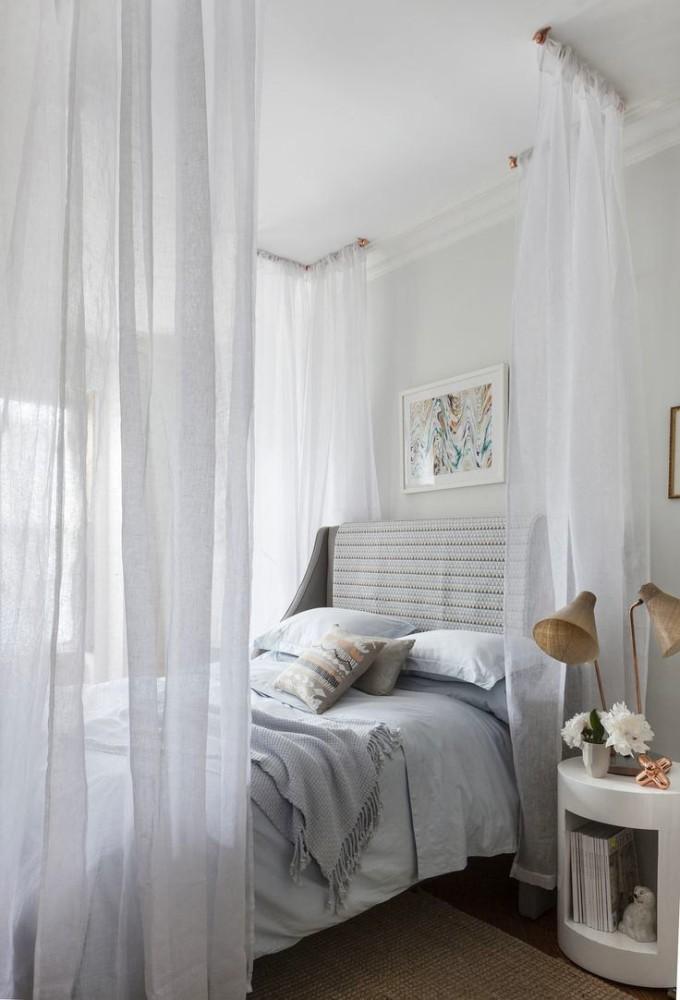 Мебель и предметы интерьера в цветах: серый, белый, темно-зеленый. Мебель и предметы интерьера в стиле эклектика.