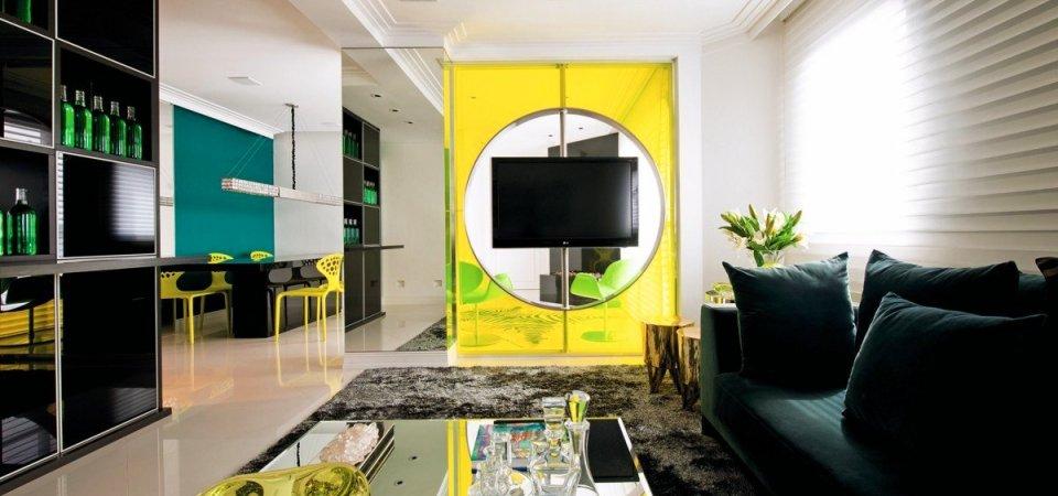 Как применять яркие цвета в интерьере: разбираемся на примере двушки в Бразилии