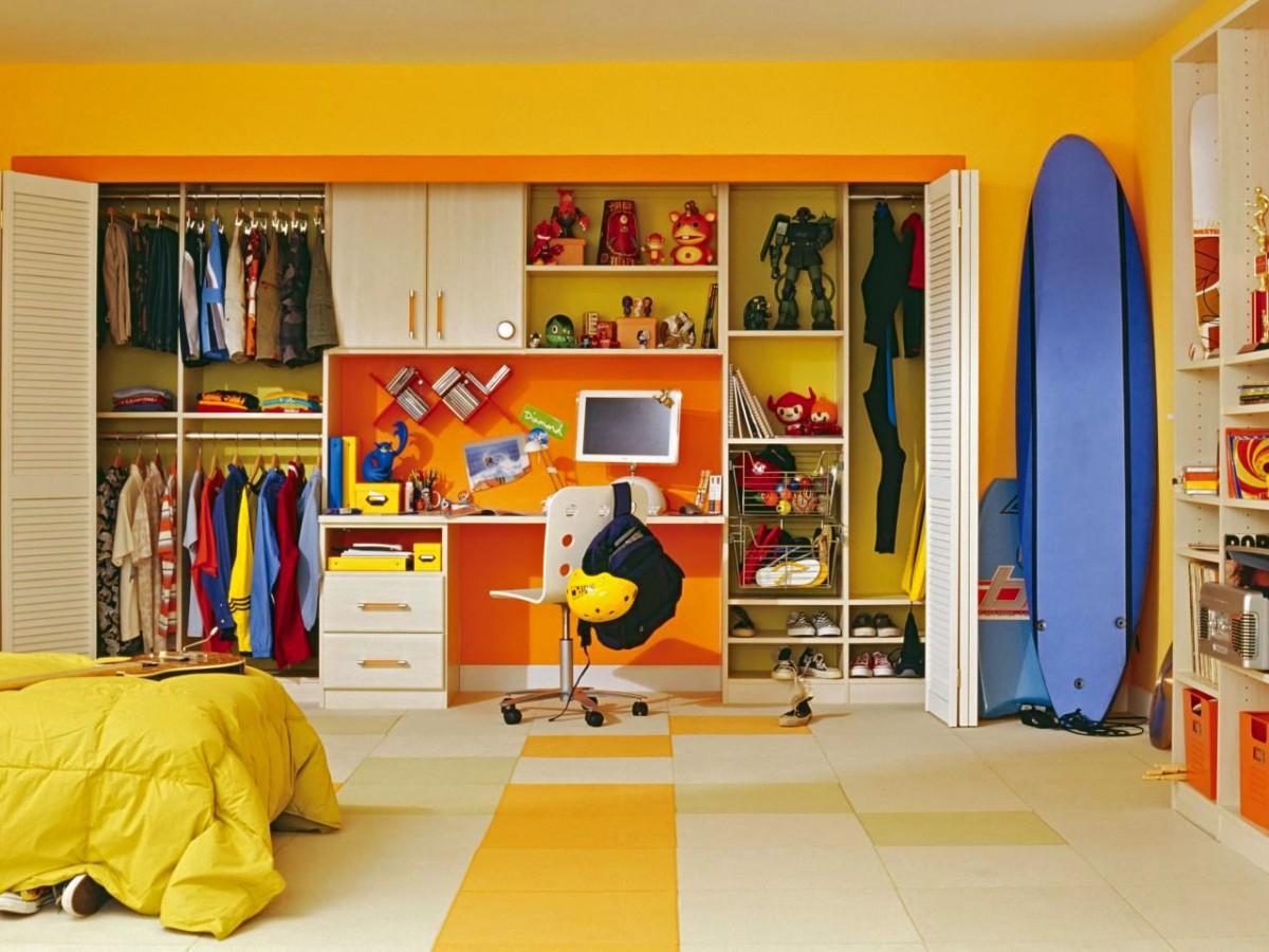 Детская в цветах: желтый, светло-серый, коричневый, бежевый. Детская в .