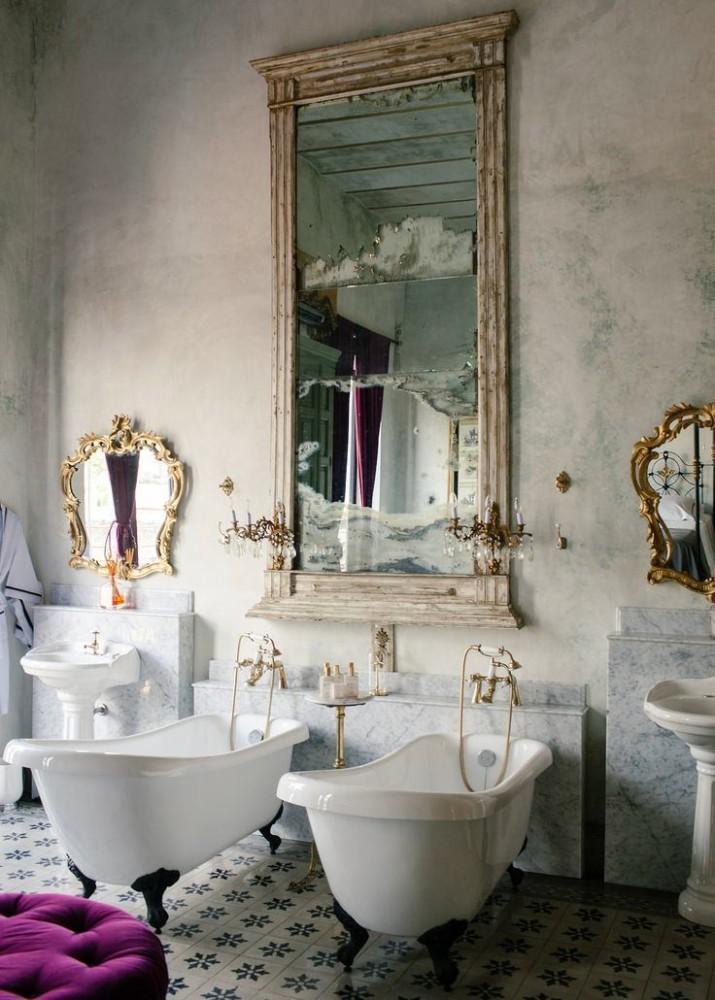 Декор в цветах: черный, серый, светло-серый, белый, темно-зеленый. Декор в стиле классика.