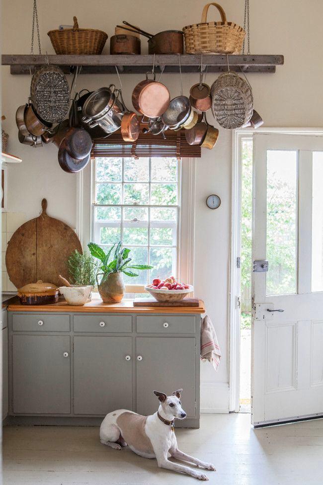 Кухня в цветах: светло-серый, белый, коричневый. Кухня в .