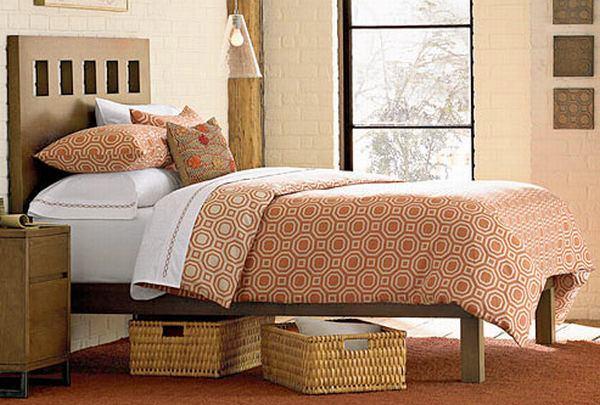 Спальня в цветах: желтый, светло-серый, темно-коричневый, коричневый, бежевый. Спальня в стилях: американский стиль.