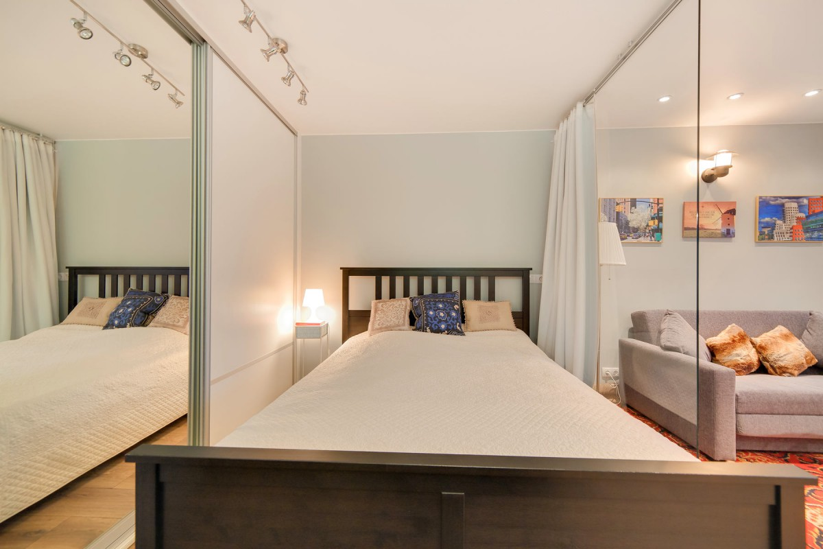 Гостиная, холл в цветах: светло-серый, белый, коричневый, бежевый. Гостиная, холл в стиле минимализм.
