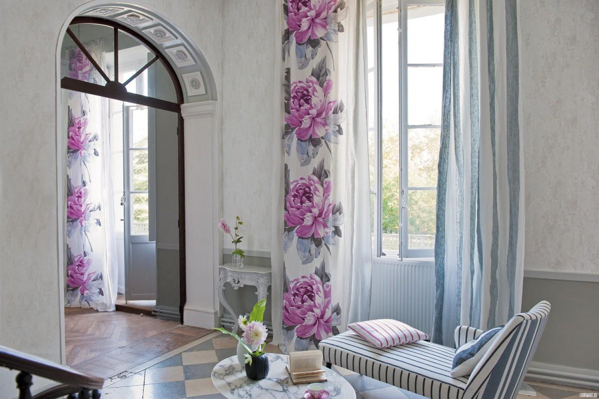 Гостиная, холл в цветах: серый, светло-серый, белый, сиреневый, бежевый. Гостиная, холл в стиле французские стили.