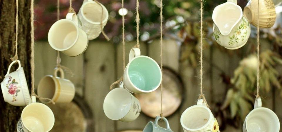 6 примеров оригинального декора из старой посуды