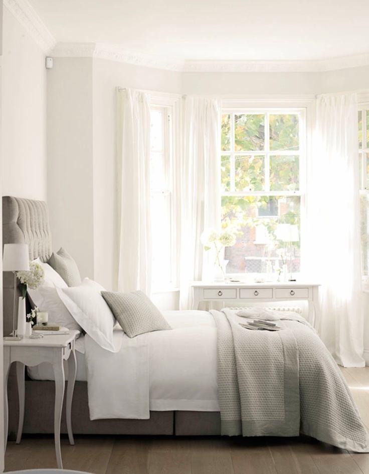 Мебель и предметы интерьера в цветах: серый, светло-серый, белый. Мебель и предметы интерьера в стиле французские стили.