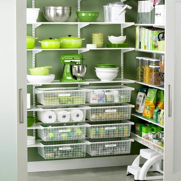 Мебель и предметы интерьера в цветах: серый, светло-серый, темно-зеленый, бежевый. Мебель и предметы интерьера в стиле минимализм.