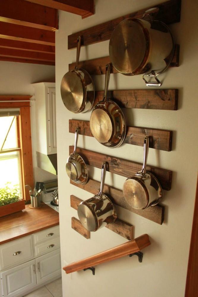 Кухня в цветах: светло-серый, темно-зеленый, коричневый, бежевый. Кухня в .