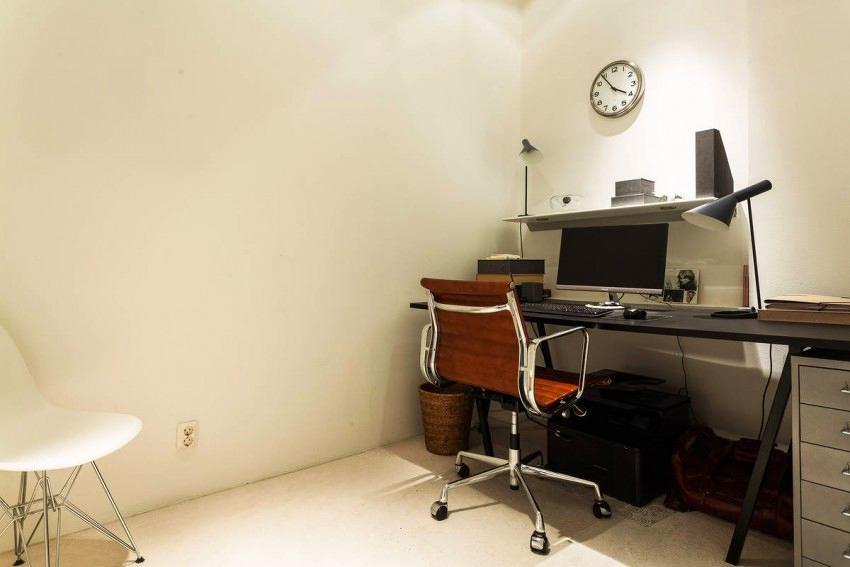 Офис в цветах: черный, серый, светло-серый, белый. Офис в стиле скандинавский стиль.