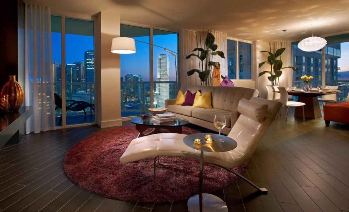 Гостиная, холл в цветах: бордовый, темно-коричневый, коричневый, бежевый. Гостиная, холл в стиле минимализм.