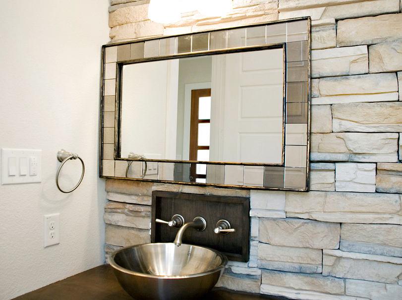 Туалет в цветах: черный, серый, светло-серый, белый. Туалет в стиле средиземноморский стиль.