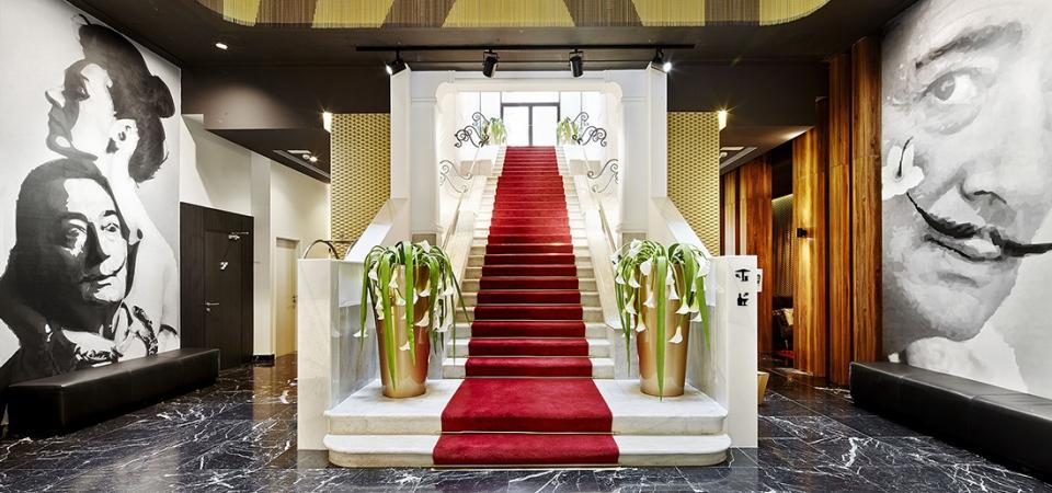 Отель недели: золото и сюрреализм Барселоны