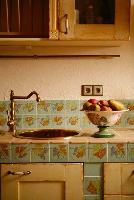 Мебель и предметы интерьера в цветах: зеленый, коричневый, бежевый. Мебель и предметы интерьера в стиле прованс.