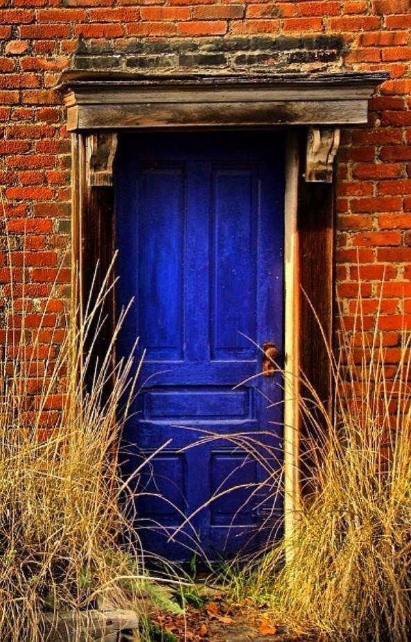 Архитектура в цветах: бирюзовый, фиолетовый, бордовый, коричневый, бежевый. Архитектура в .