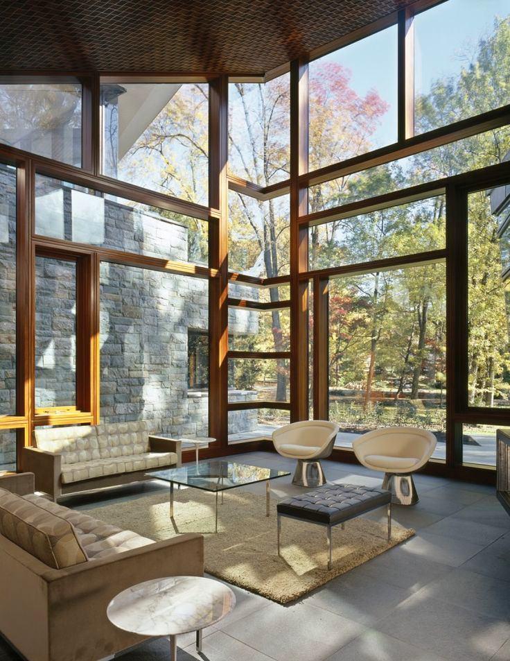 Архитектура в цветах: черный, серый, светло-серый, бежевый. Архитектура в стилях: минимализм.