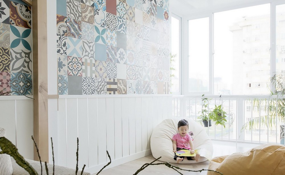 Балкон, веранда, патио в цветах: серый, светло-серый, белый, коричневый, бежевый. Балкон, веранда, патио в стилях: минимализм, экологический стиль.