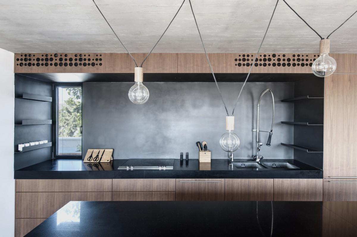 Кухня/столовая в  цветах:   Бежевый, Светло-серый, Серый, Синий, Черный.  Кухня/столовая в  стиле:   Лофт.