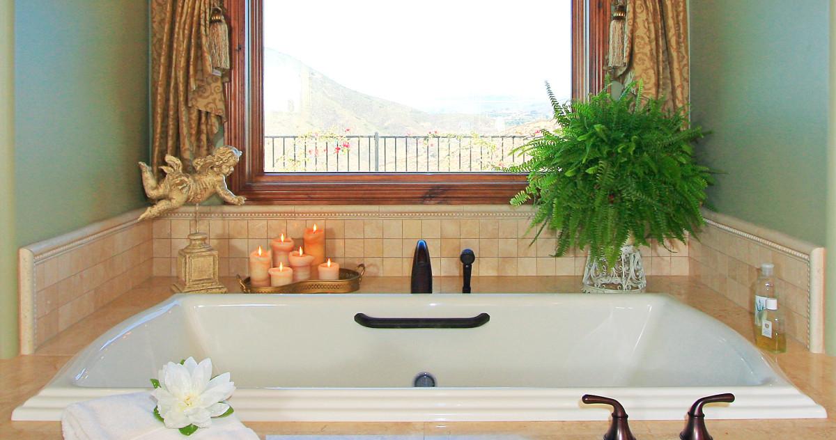 4 незыблемых правила декора маленьких ванных