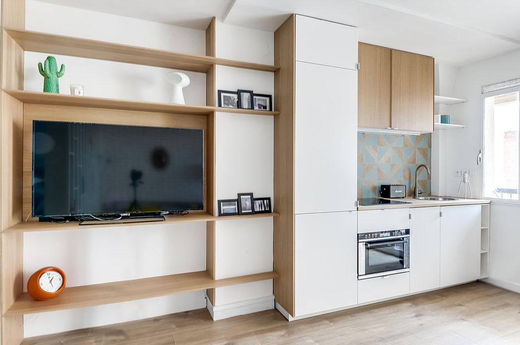 Кухня/столовая в  цветах:   Бежевый, Коричневый, Светло-серый, Синий.  Кухня/столовая в  стиле:   Минимализм.