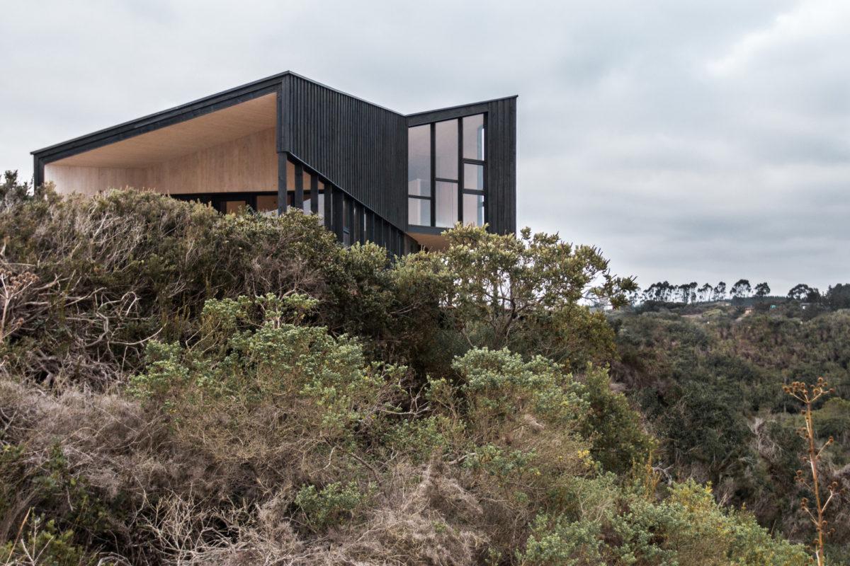 Архитектура в  цветах:   Бежевый, Светло-серый, Серый, Темно-коричневый, Черный.  Архитектура в  .