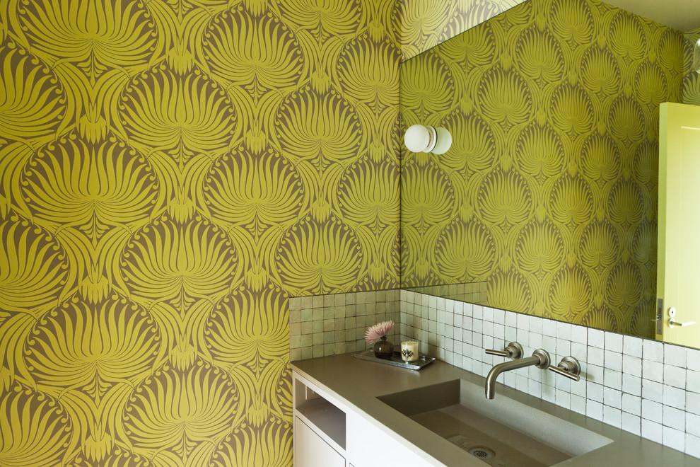 15 ванных комнат с красивыми обоями и советы по выбору