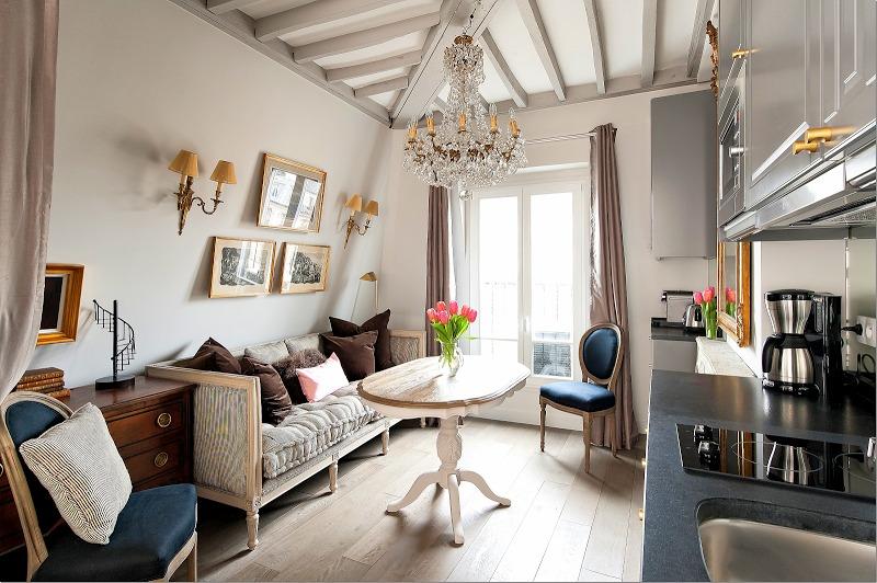 Спальня в  цветах:   Бежевый, Белый, Светло-серый, Серый, Черный.  Спальня в  стиле:   Прованс.