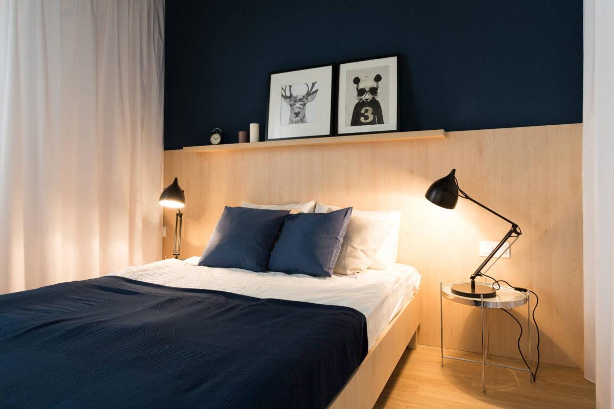 Спальня в  цветах:   Бежевый, Светло-серый, Синий, Черный.  Спальня в  стиле:   Минимализм.