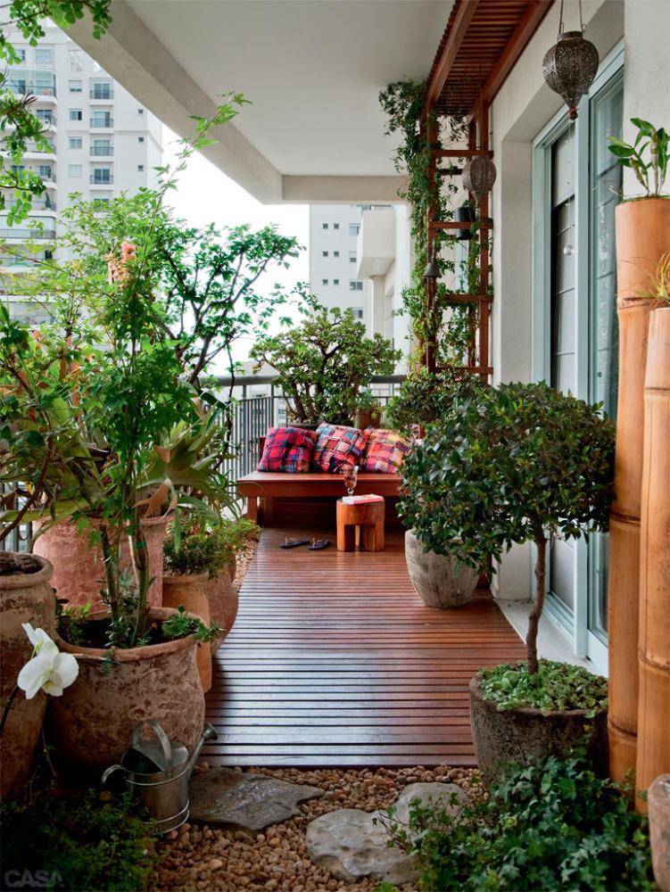 Балкон в  цветах:   Бежевый, Светло-серый, Темно-зеленый, Темно-коричневый, Черный.  Балкон в  стиле:   Минимализм.