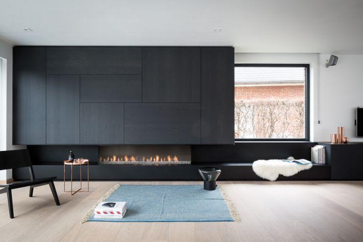 Гостиная в  цветах:   Светло-серый, Серый, Синий, Черный.  Гостиная в  стиле:   Минимализм.