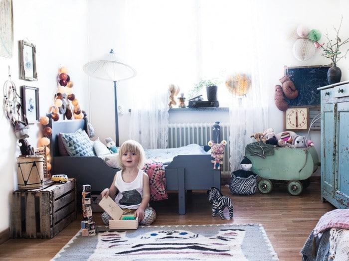 Детская в  цветах:   Белый, Светло-серый, Серый, Черный.  Детская в  стиле:   Скандинавский.