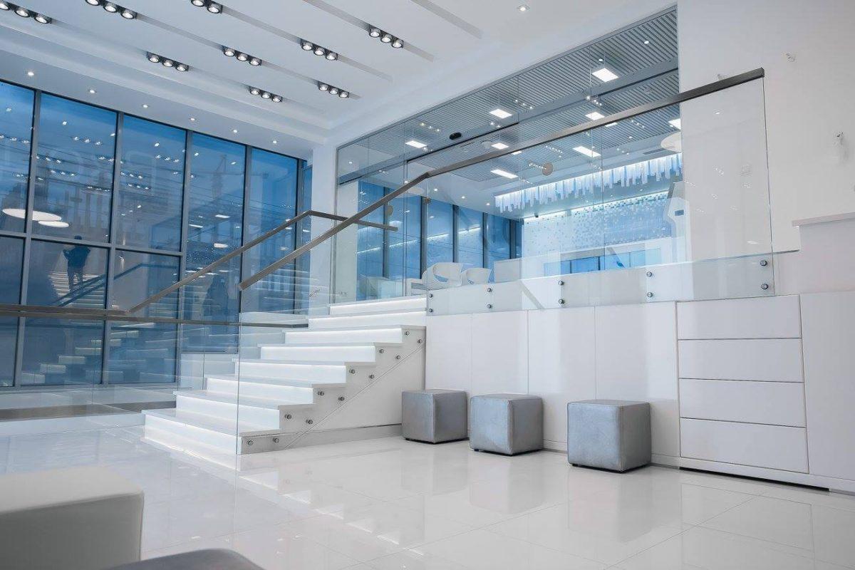 Офис в  цветах:   Бирюзовый, Светло-серый, Серый, Синий.  Офис в  стиле:   Хай-тек.