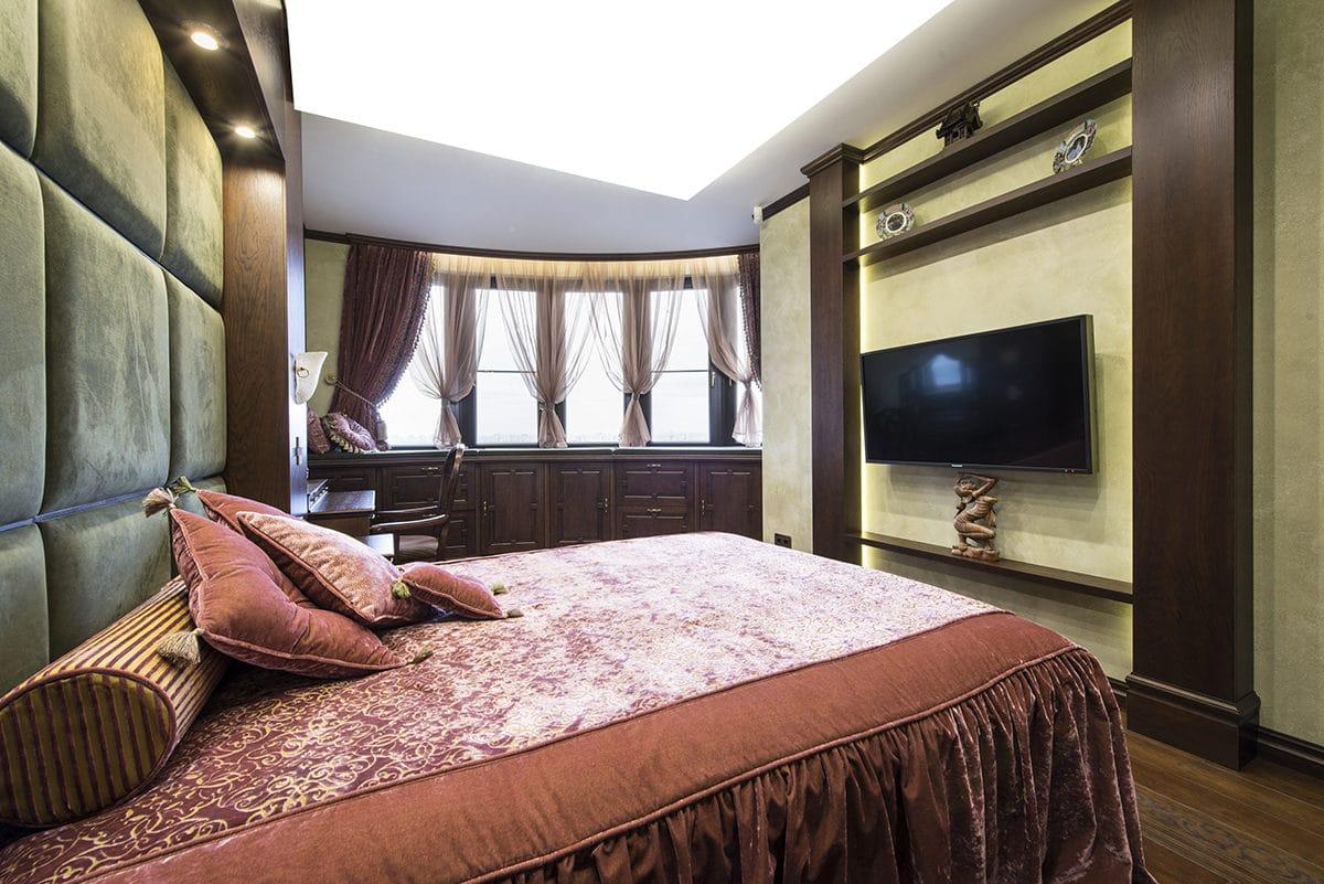 Спальня в  цветах:   Бежевый, Белый, Светло-серый, Темно-коричневый, Черный.  Спальня в  стиле:   Неоклассика.