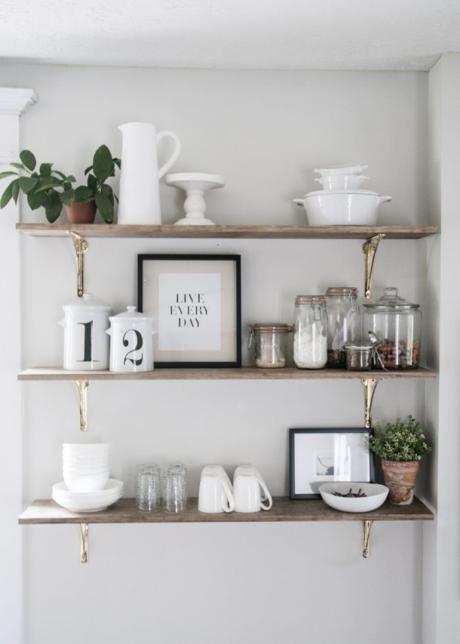 Кухня/столовая в  цветах:   Светло-серый, Серый, Бежевый.  Кухня/столовая в  стиле:   Скандинавский.